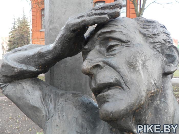 памятник Марку Шагалу Витебск