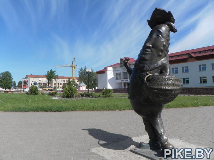 Шклов памятник огурцу