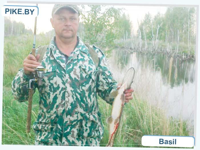 Червоное озеро (канава) рыбалка