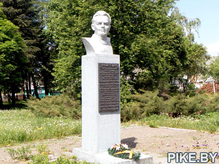 Урбанович памятник Ружаны