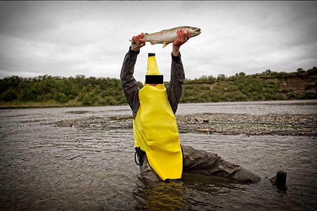 человек банан на рыбалке
