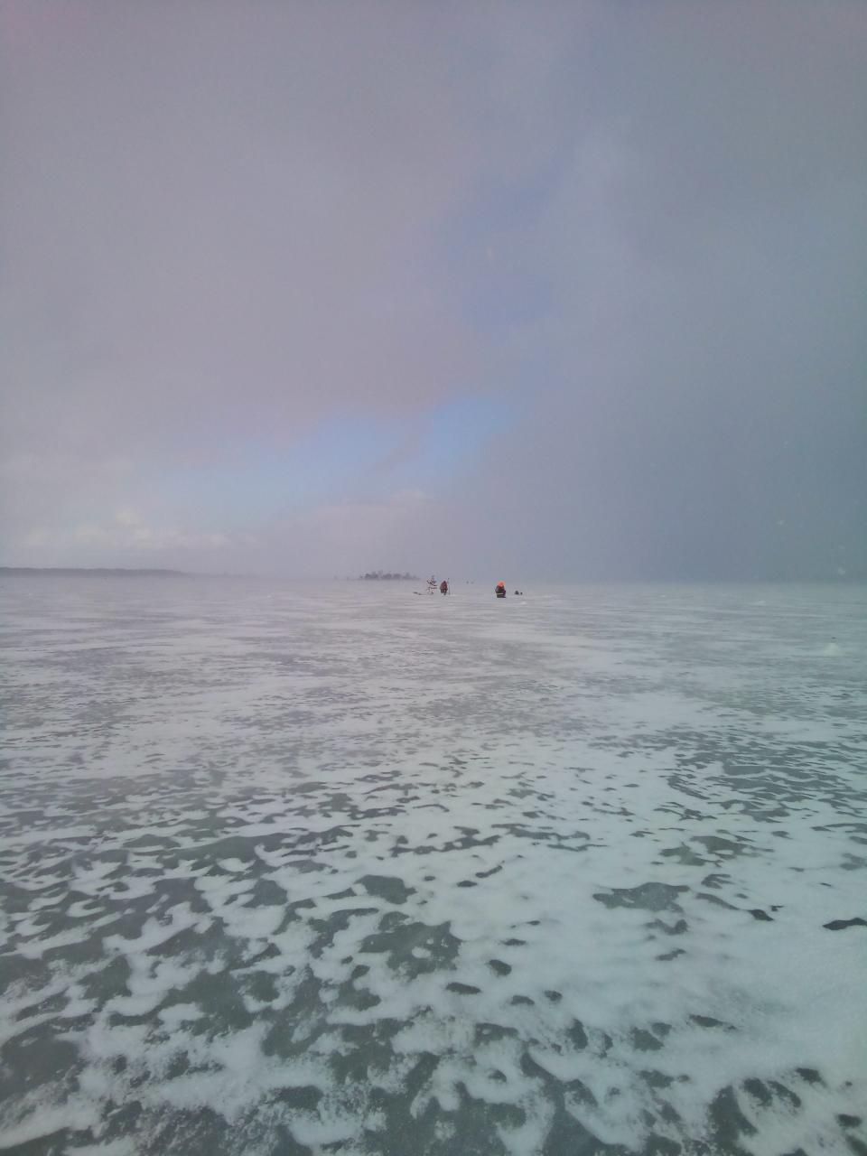 Вчера между Сосенкой и Рабынь. Народа очень мало.Глубина ...   Отчеты о рыбалке в Беларуси