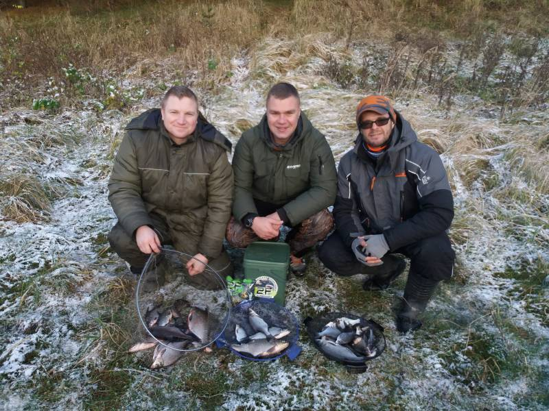Вчера дружной компашкой провели морозный день за ... | Отчеты о рыбалке в Беларуси