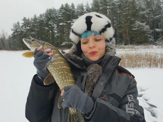 Зимняя рыбалка в Беларуси - щука и окунь на Щарке... | Отчеты о рыбалке в Беларуси